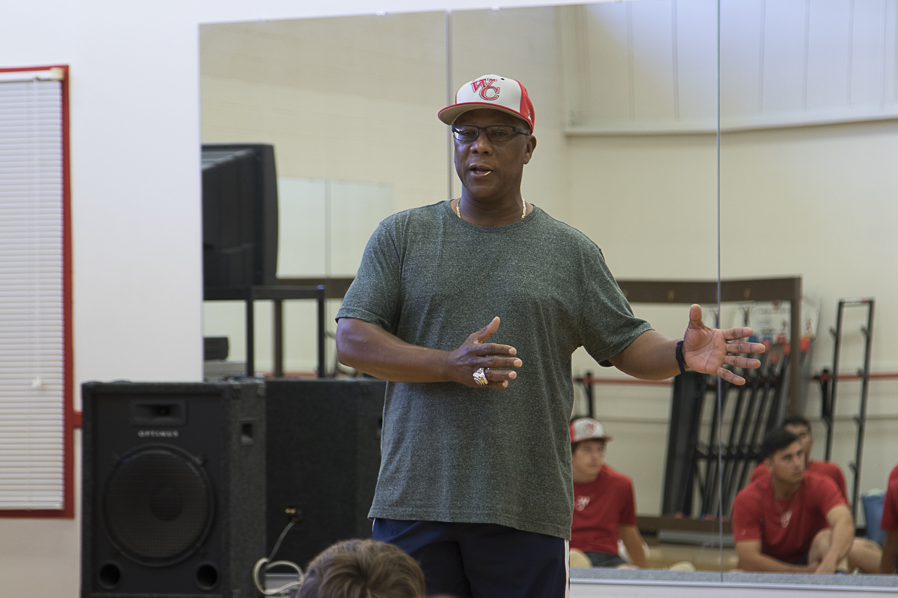 MAJOR LEAGUE ADVICE - Professional baseball coach visits Pioneers