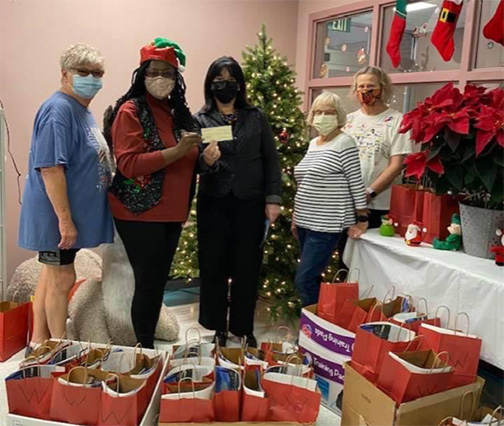 WCJC SENIOR PROGRAM RECEIVES GIFTS
